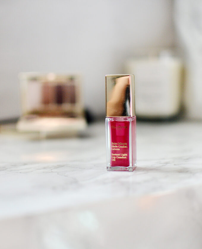 Clarins Instant Light Lip Comfort Oil Review.