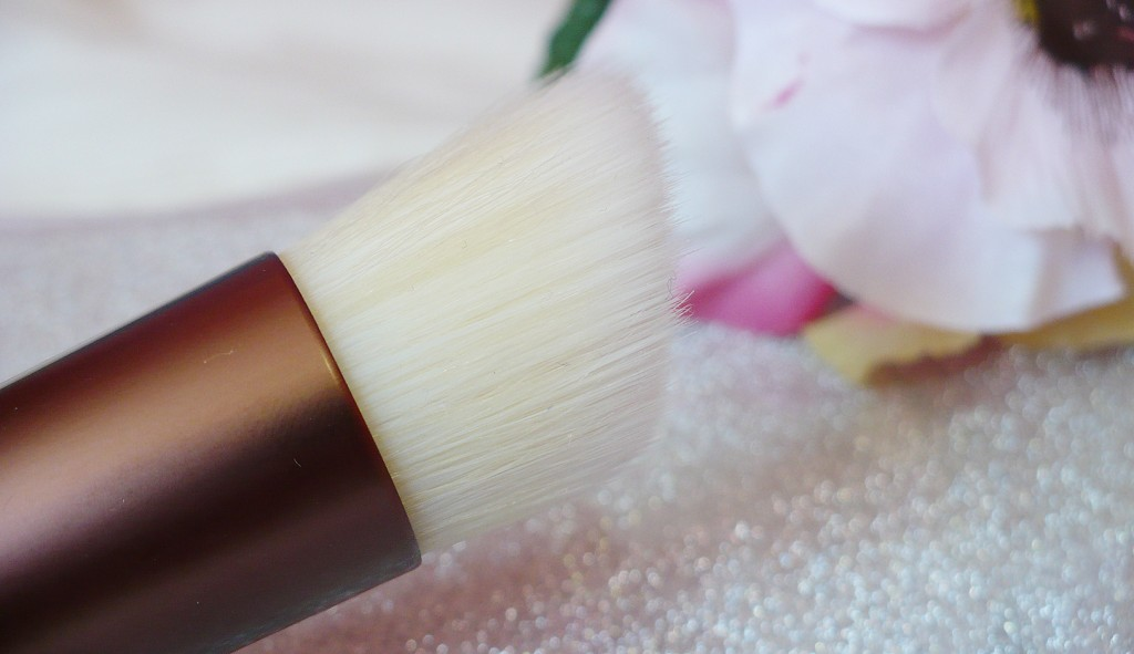 ecotools-skin-perfecting-brush-2