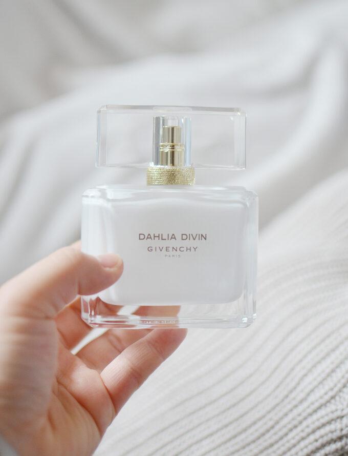 Givenchy Dahlia Divin Eau Initiale.
