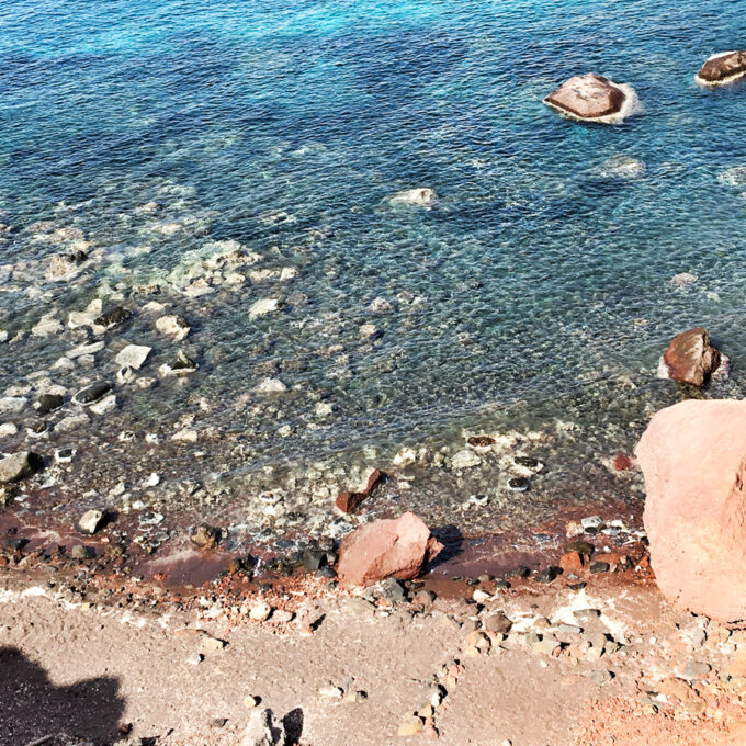 Santorini Beaches | Red Sand & Black Sand Beaches