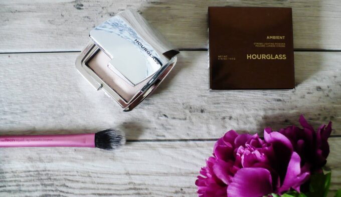 hourglass-ambient-strobe-3
