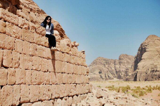 Overnight in Wadi Rum | Sleeping in the Desert - Hanging out in Lawrence House before lunch was served!