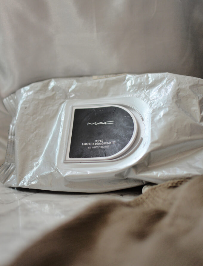 MAC Makeup Wipes Review.