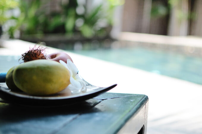 Maison557 Villa Suite | Enjoying my welcome fruit platter by the pool!