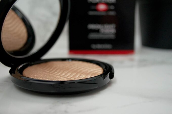make-up-for-ever-pro-fusion-light-2