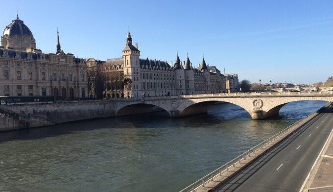 Postcard From | Paris is Always a Good Idea 11