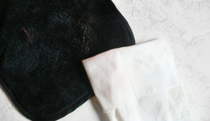 sephora-black-magic-makeup-cloth-3