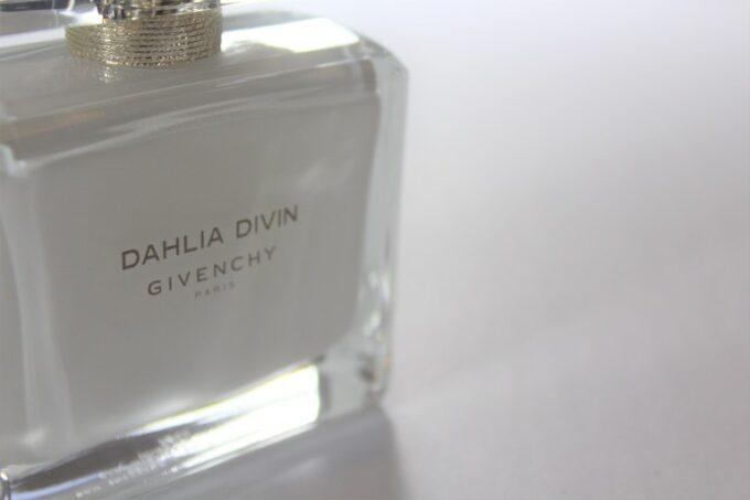 Givenchy Dahlia Divin Eau